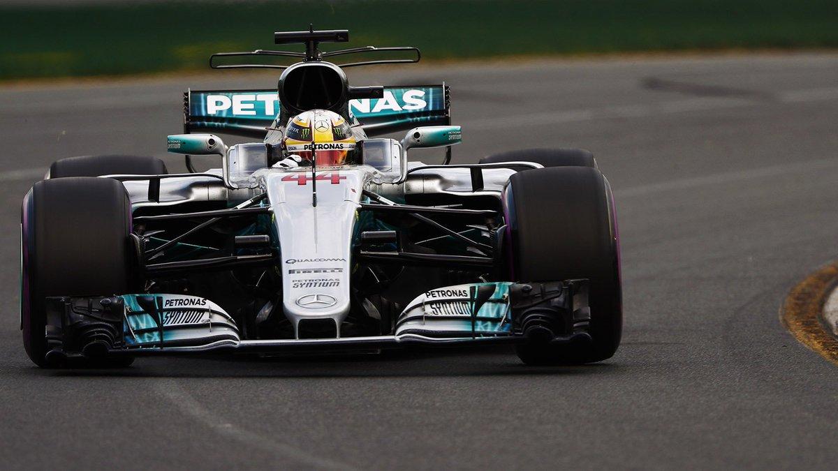 Lap 1:   1. HAM 2. VET 3. BOT  Magnussen (Haas) & Ericsson (Sauber...