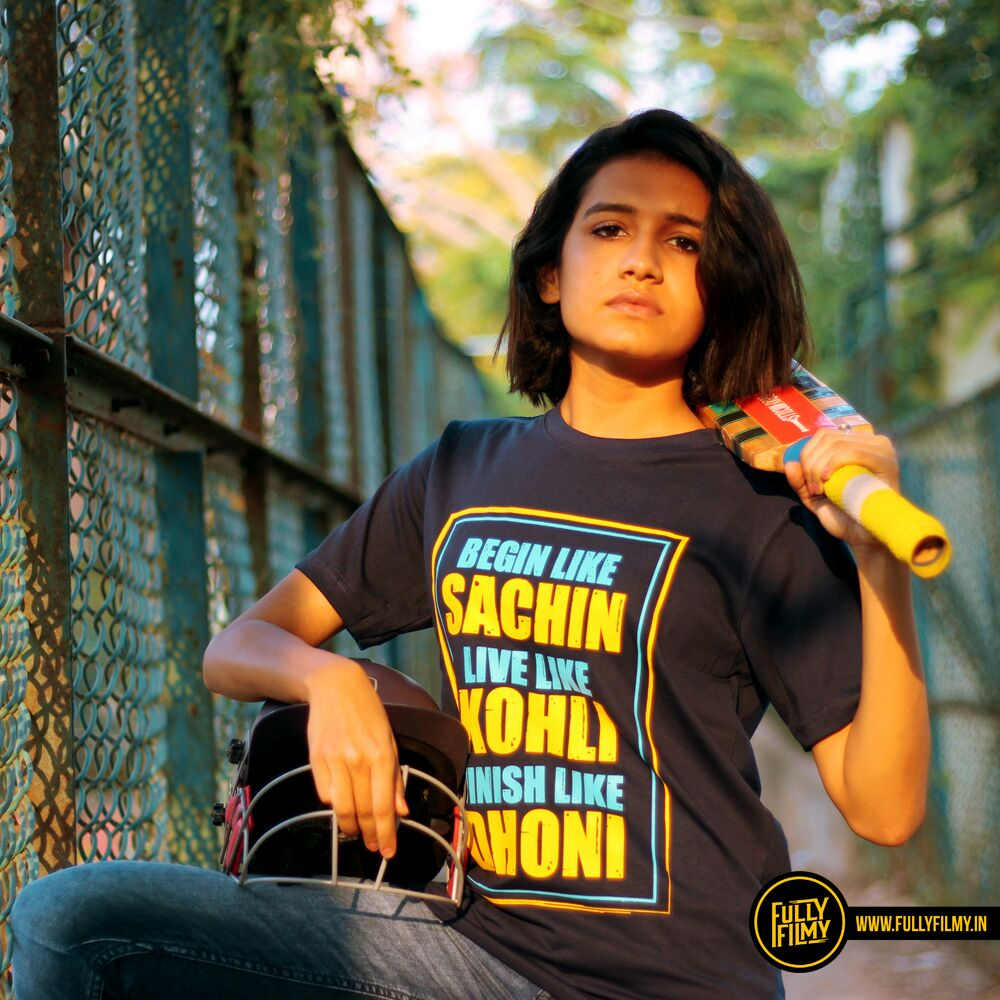 Sport this new cricket tee with pride. Buy it here -  https:// fullyfilmy.in/collections/un isex-t-shirts/products/sachin-kohli-dhoni-t-shirt &nbsp; …  #CricketGoesFullyFilmy @FullyFilmy_in #Sachin #Dhoni #Kohli<br>http://pic.twitter.com/Sk7Q1V4L1r