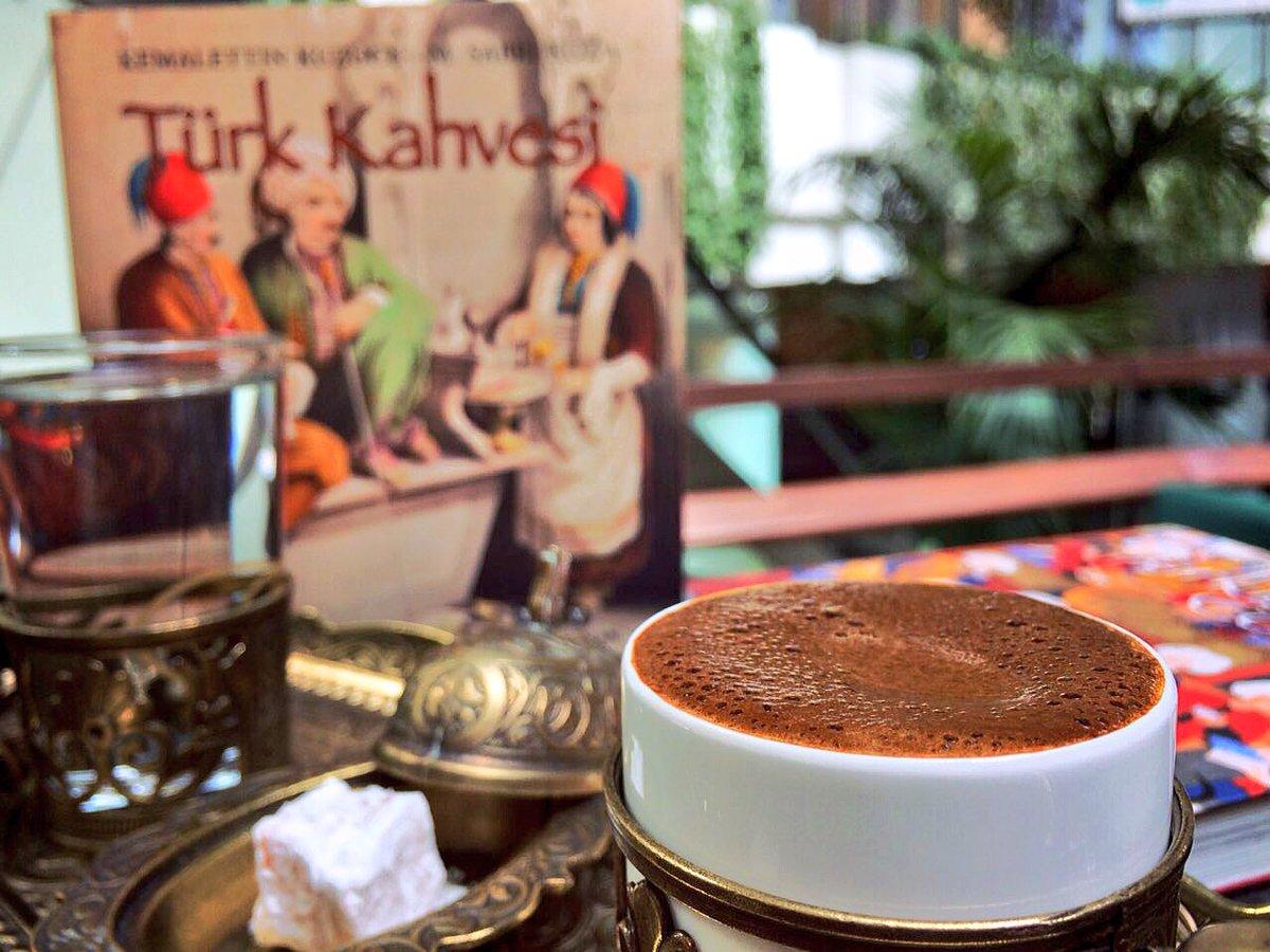 Keyifli bir pazar gününe bol köpüklü kahve ile başlayanlardan mısınız?...