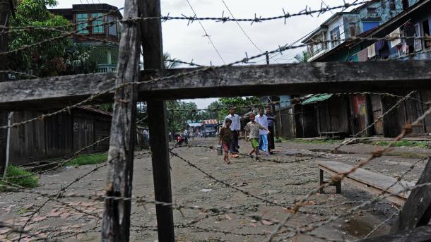 Le #Myanmar rejette l&#39;enquête de l&#39;#ONU sur les #exactions contre les #Rohingyas  http:// fr.azvision.az/news/37787/le- myanmar-rejette-lenqu%C3%AAte-de-lonu-sur-les-exactions-contre-les-rohingyas.html#.WNeqLkpsM7U.twitter &nbsp; …  #socialmedia #hrw<br>http://pic.twitter.com/6TVngr87uS