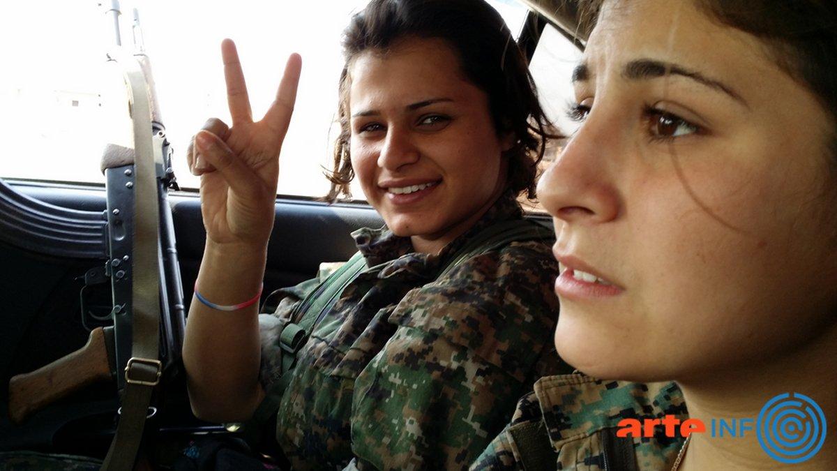 #Kurdistan, la guerre des filles de Mylène Sauloy: Prix spécial du jury et Prix du public au @FIGRA_Festival #FIGRA @ARTEfr @MagnetoTV<br>http://pic.twitter.com/iT07F4q7lp
