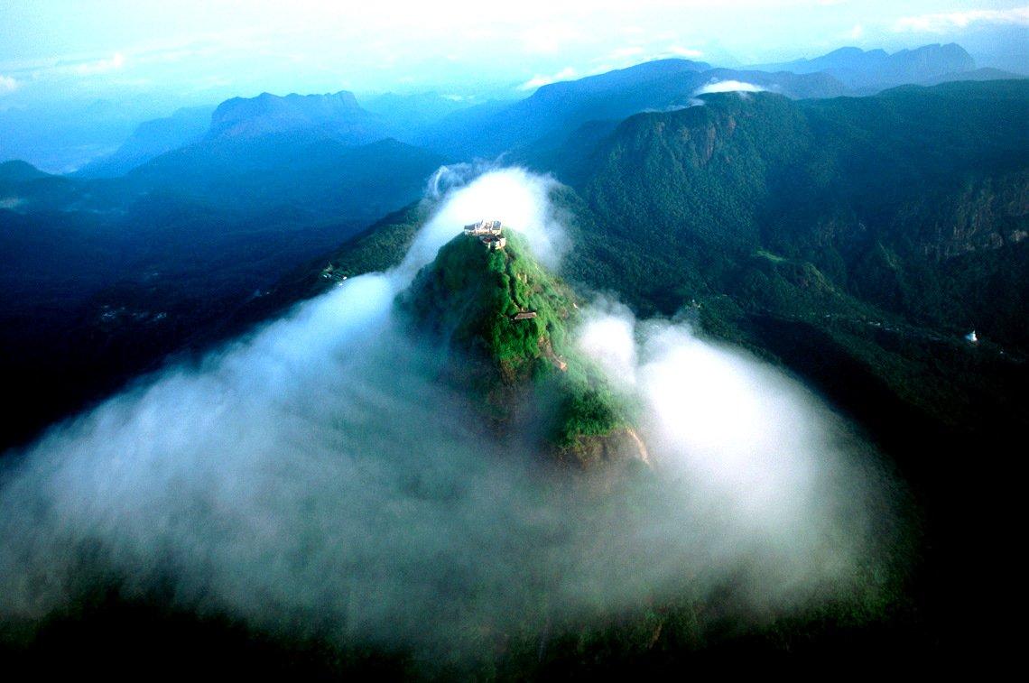 Adam's Peak (Sri Padaya)