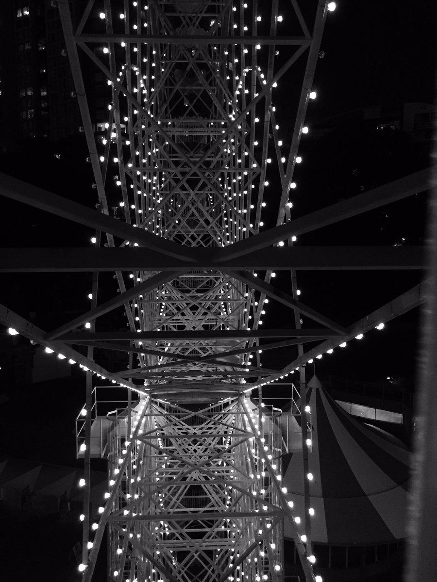 Ferris wheel dining - superb idea. @lunaparksydney #brightlights @Australia #ferriswheel #ilovesydney<br>http://pic.twitter.com/R03I1VhCqK