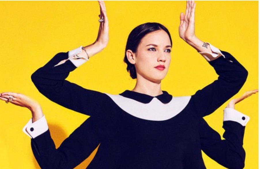 7 jonge Franse artiesten om te kennen  https://www. frankrijk.nl/2017/03/7-jong e-franse-muziekartiesten-om-kennen/ &nbsp; …  #muziek #madeinfrance #frans #hitparade #frankrijk<br>http://pic.twitter.com/97d2G95gTl