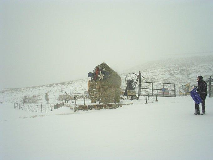 De nuevo nieva en Sierra de Béjar-La @la_covatilla . @aytobejar