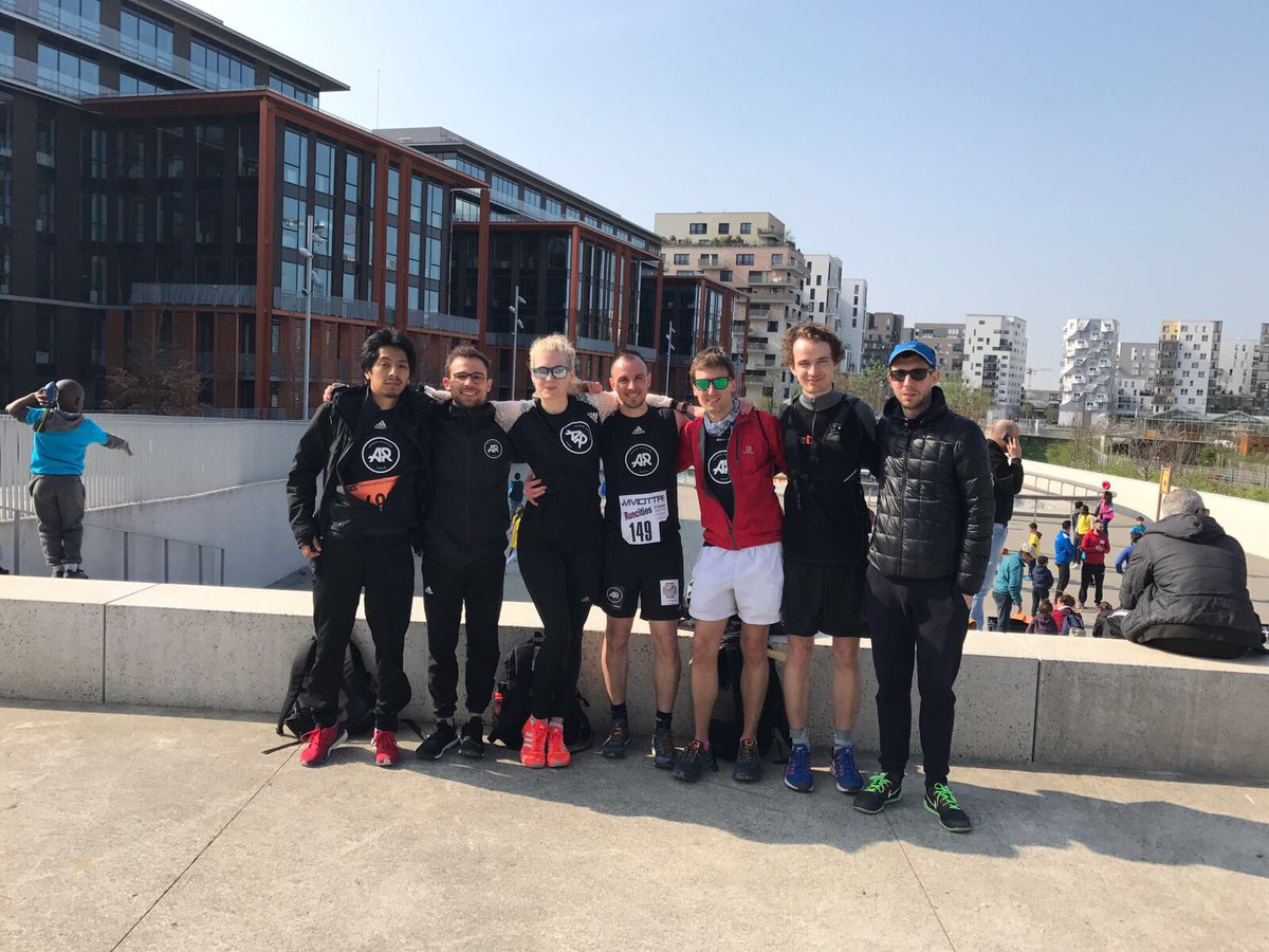 4K &amp; 12K à la #Vivicitta post-run ;-) #sunshine #happy!!  #WhyIRunLesAbbesses #WhyIRunParis<br>http://pic.twitter.com/If2f5rJOEl