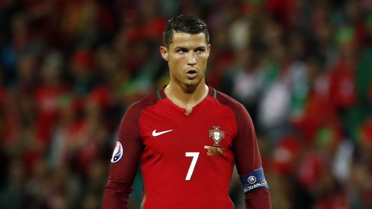 70 international goals in 136 appearances for Cristiano Ronaldo  Stunning record 🇵🇹