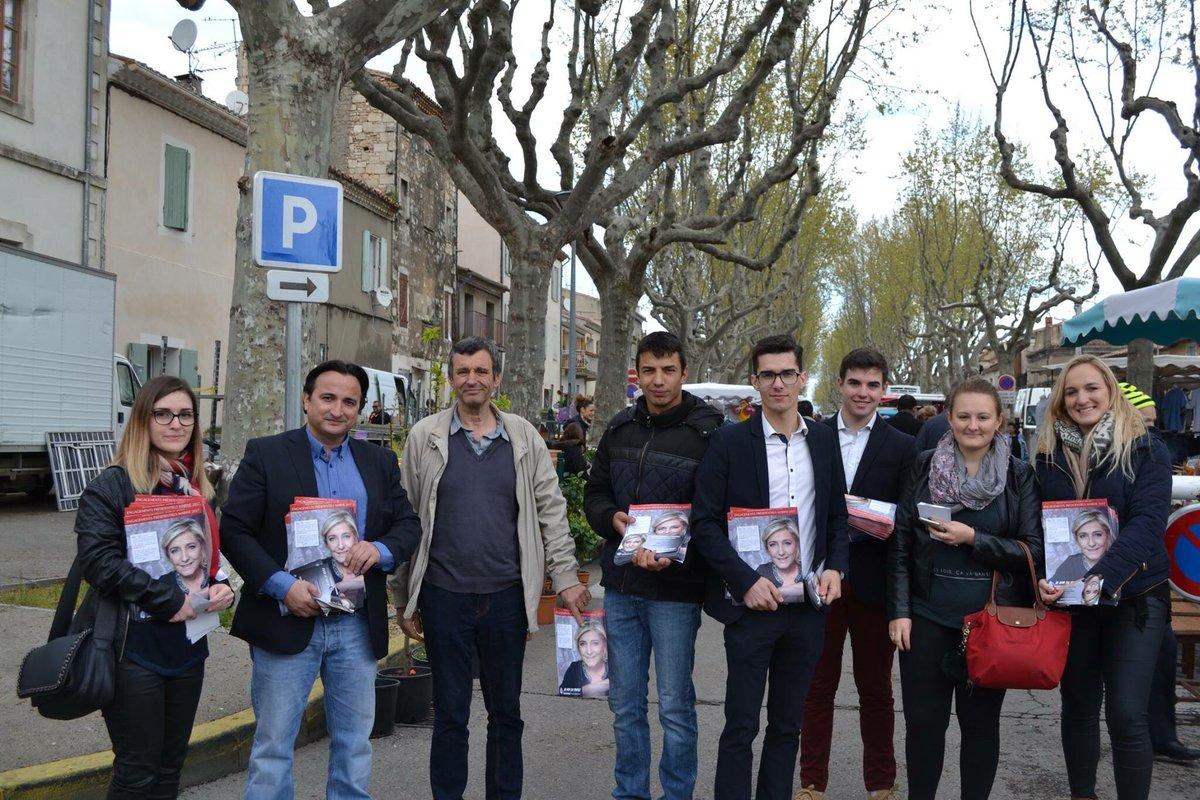 Les jeunes de la 2ème circonscription du #Gard soutiennent Marine !  <br>http://pic.twitter.com/uTIeA5W0PH