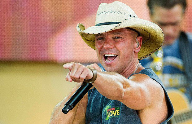 Happy Birthday également à Kenny Chesney  né le 26 mars 1968 à Knoxville dans le Tennessee.