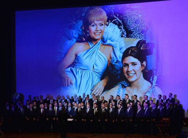 #Carrie Fisher, Debbie Reynolds honoured at cheery Hollywood memorial service - National -   http://www. yemekyapmak.net/carrie-fisher- debbie-reynolds-honoured-at-cheery-hollywood-memorial-service-national/ &nbsp; … <br>http://pic.twitter.com/XYbeUxXBhQ