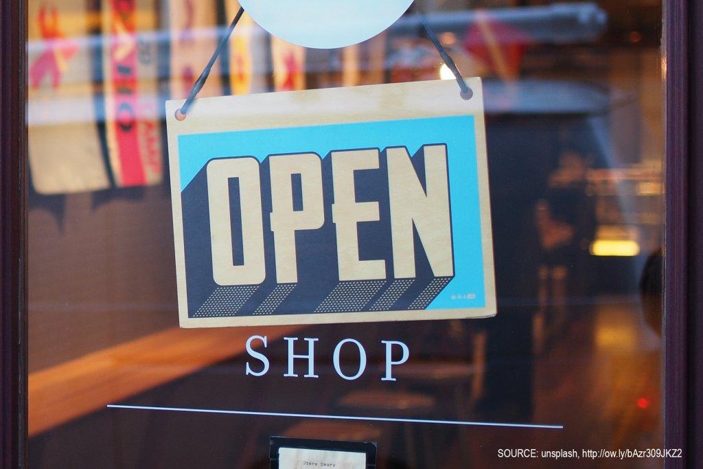 Le magasin physique repose sur la #technologie  http:// buff.ly/2n6hrjz  &nbsp;   #retail #phygital<br>http://pic.twitter.com/MqeOcqafvs
