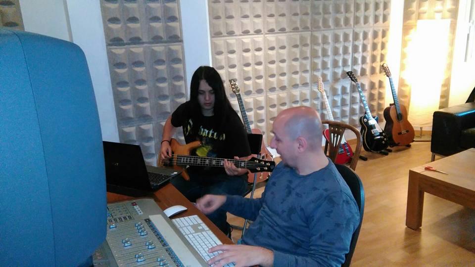 #bass #recordingstudio #dreamsofagony #symphonicmetal #drums #keyboard #femalefrontedmetal #NewRecord #estudio #grabando #metal @BranDeOz<br>http://pic.twitter.com/p3ENVvqeu9