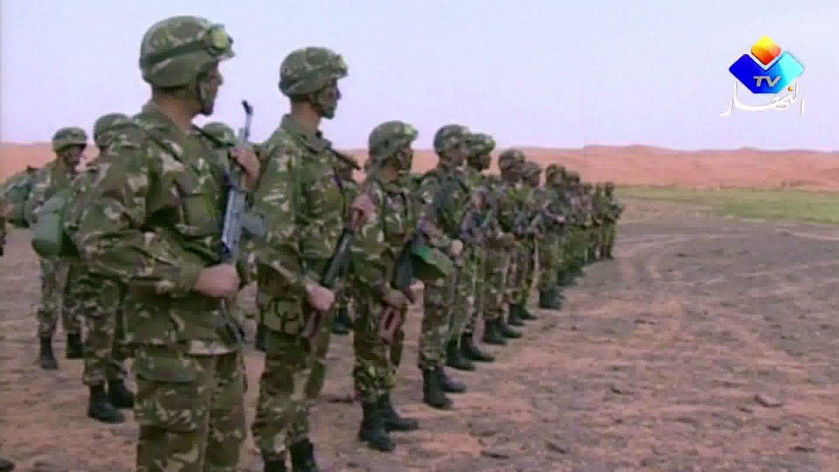 L&#39;armée #algérienne abat deux terroristes islamistes, dont «l&#39;émir local de #Daesh»  https:// francais.rt.com/international/ 35838-armee-algerienne-abat-deux-terroristes-emir-daesh &nbsp; … <br>http://pic.twitter.com/YIt2XFe5UG