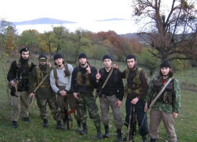 URGENTL&#39;#EI revendique l&#39;attaque inghimasi contre une base de l&#39;armée en #Tchétchénie. 6 soldats russes ont été tués.&quot; #Russie #Daesh <br>http://pic.twitter.com/EREh0KcLDQ
