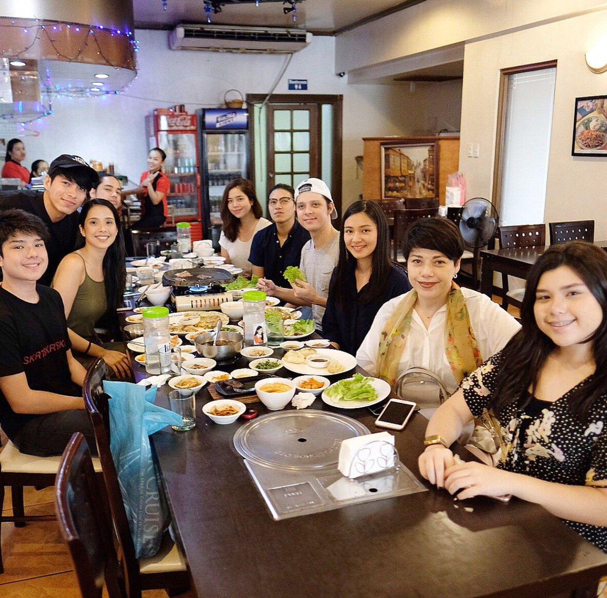 Celebrated their kuya Nicolo's 32nd birthday   © Ms. @piamagalona & @maxenemagalona IG  #Magalona @LucianoArkin @claramags @saabmagalonapic.twitter.com/4qwaQndypn