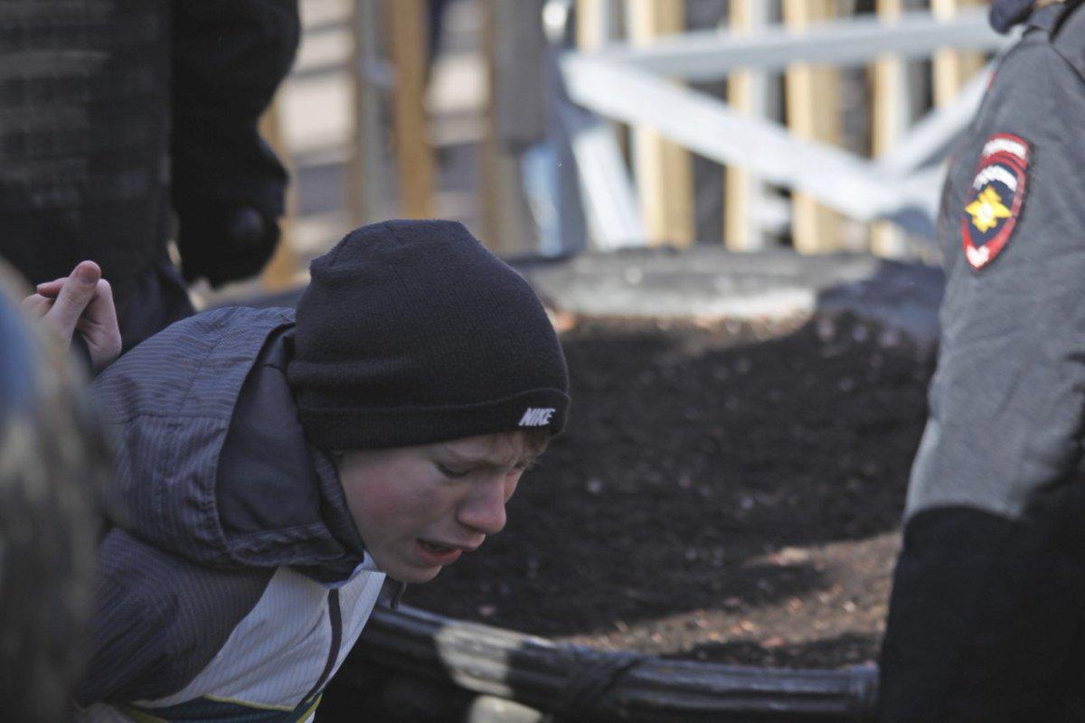 На вид мальчику не больше 12-13 лет. Фото: Мария Карпухина / Дождь