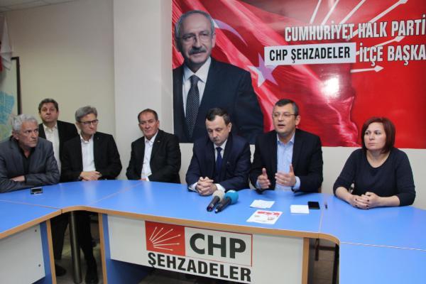 #CHP'li #ÖzgürÖzel: #KenanEvren, evlatları ve ürünleriyle gurur duyuyo...