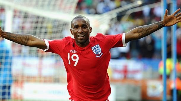 Jermain Defoe starts for England today.  It's about f*cking time! 🦁🦁🦁...