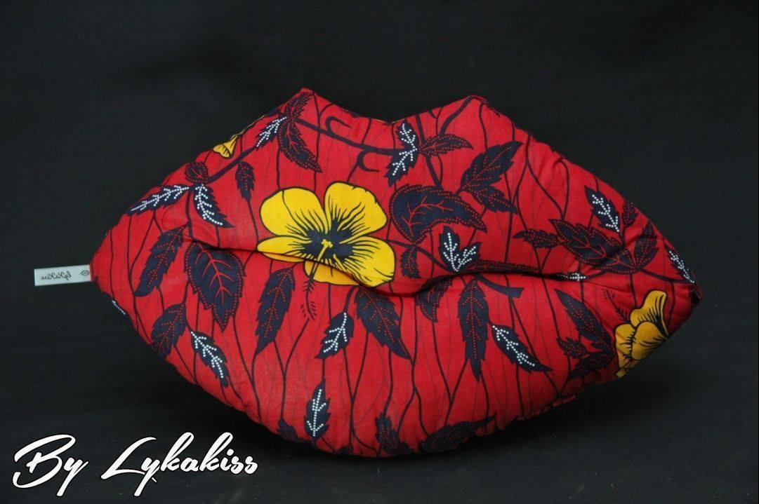Pour vos dimanches #chill choisissez les coussins &quot;kiss&quot; &gt;&gt;&gt;  http:// bit.ly/2lz8ZHZ  &nbsp;   #coussins #love #AfricanStyle #wax #décoration #pagne<br>http://pic.twitter.com/y19ddqnfwc