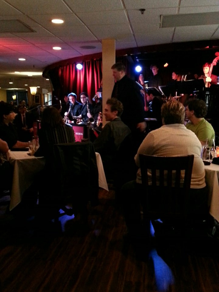 @AugsburgCollege Jazz at Crooners! https://t.co/HqwDowNNSe