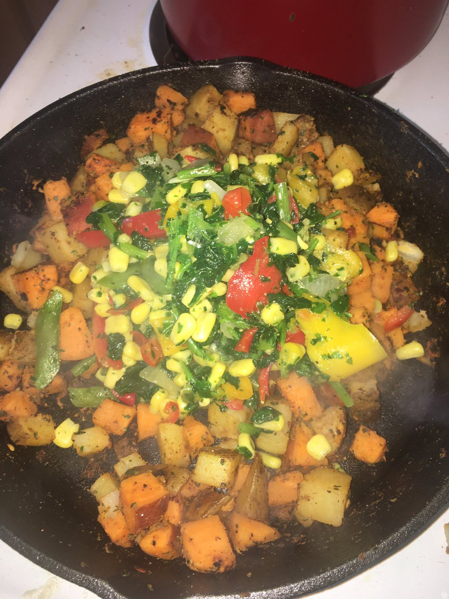 Sweet and russet potato breakfast hash 💖 https://t.co/4vTK9oSWCS