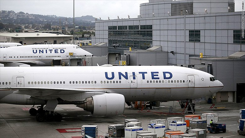 United Airlines in Twitter trouble over dress code rules https://t.co/...