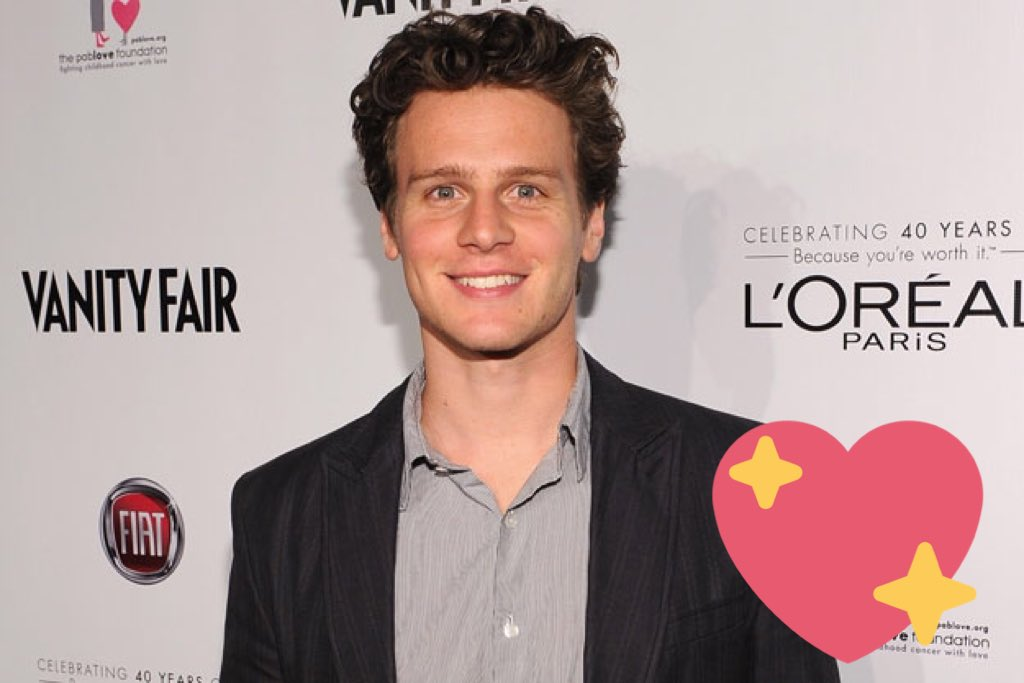 Happy birthday to the actual loml Jonathan Groff.