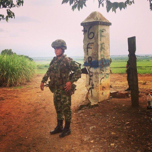 Signe du départ des #farc la présence des militaires dans la région du nord #Cauca #paz #colombia #ejercito #frente6<br>http://pic.twitter.com/YZid2zYMJu