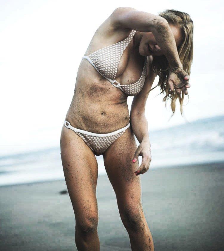 Sexy beach photoshoots