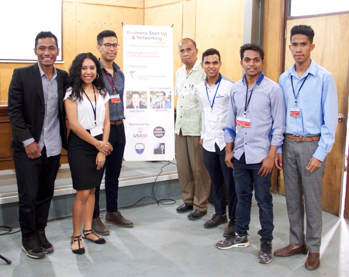 Congrats to USAID/Timor-Leste Clinton Scholarship alumni for successful networking event.  http:// bit.ly/2o787MA     #usaidtimorleste pic.twitter.com/FQFLPtxjwh