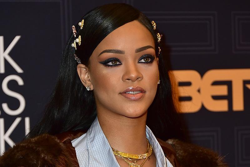 #Rihanna to give concert at #AstanaArena  #Kazakhstannews #Kazakhstan #Astana   http:// lenta.inform.kz/en/rihanna-to- give-concert-at-astana-arena_a3010982 &nbsp; … <br>http://pic.twitter.com/g4fzCjpvGn
