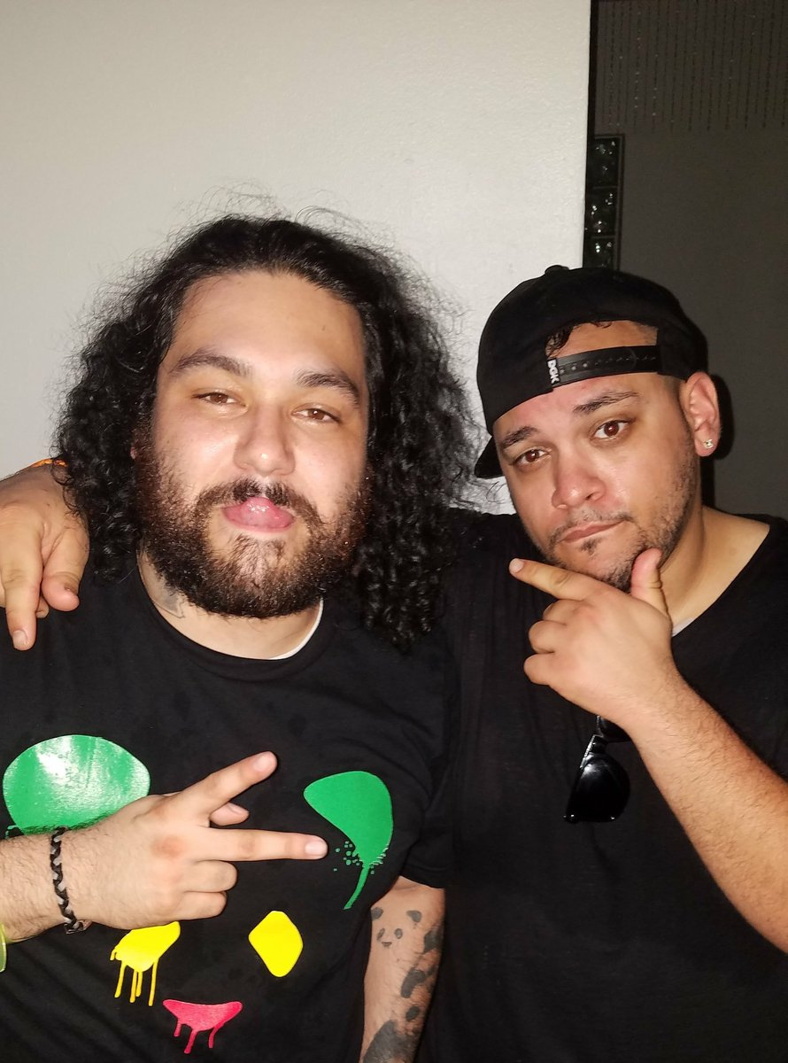 No straight faced lol with @Deorro .  This dude is nothing but good vibes.  #mmw17 #Ultra2017 #deorro #bailar <br>http://pic.twitter.com/L5ODqzF9rr