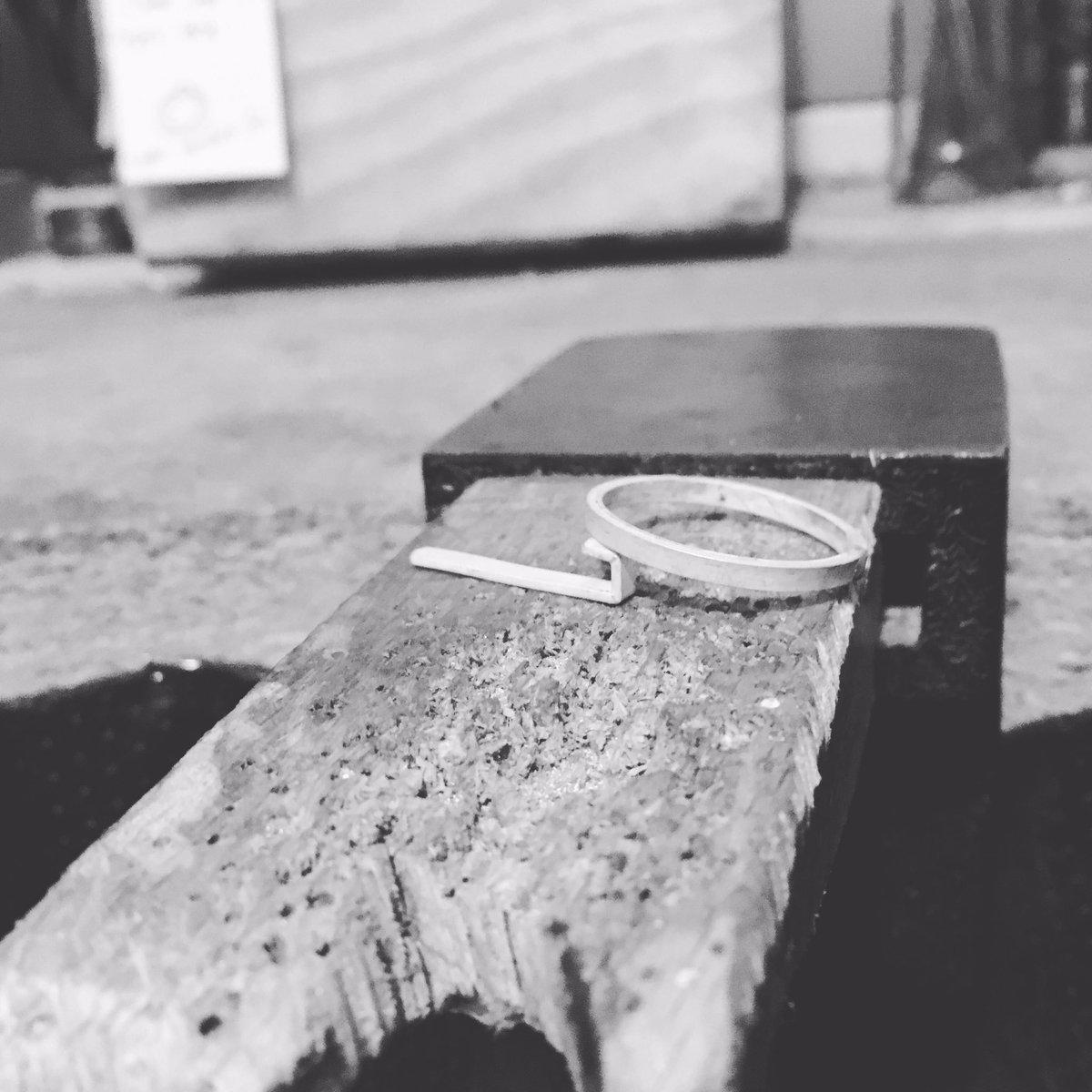Happy Monday! New week = new project  #new #custom #ring #beginnings #monday #handmade #jewelry #blackandwhite  #progress #studio<br>http://pic.twitter.com/tc1l0alOaI