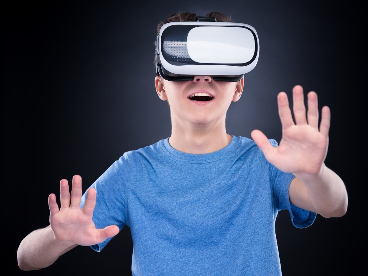Virtual Reality Game!pic.twitter.com/rRpsj8lNpG