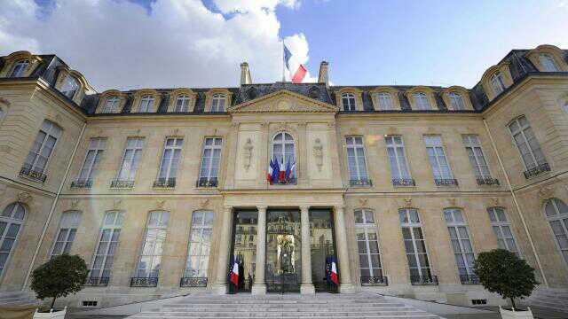 «Cabinet noir». Des élus LR demandent l'ouverture d'une enquête  http://www. ouest-france.fr/elections/pres identielle/cabinet-noir-des-elus-lr-demandent-l-ouverture-d-une-enquete-4887722 &nbsp; …  Enquête sur le #SAC confirmerait la probité #LR ? <br>http://pic.twitter.com/HrZRTdhZqI