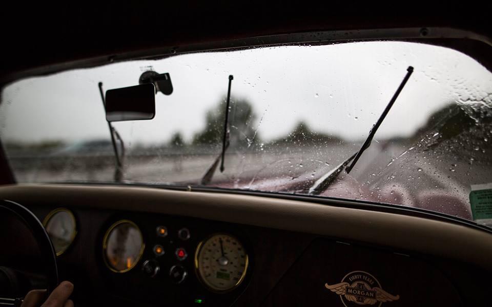En #Morgan sous la #pluie. <br>http://pic.twitter.com/vVyIkEk5cX