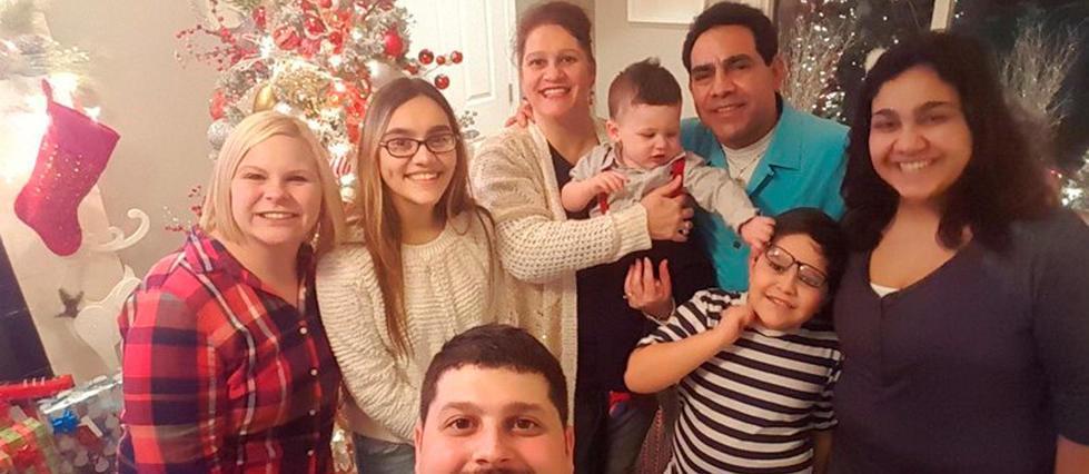 Aux États-Unis, une pro-#Trump voit son mari mexicain menacé d&#39;expulsion  http:// bit.ly/2mH62d0  &nbsp;  <br>http://pic.twitter.com/sj0wlB36gp