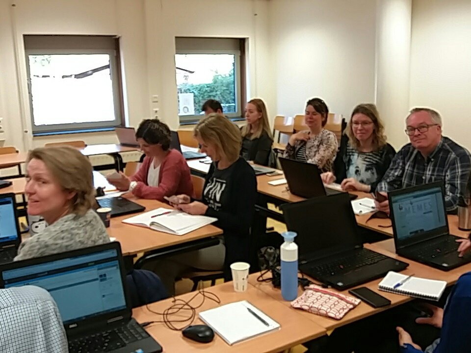 COOSTO training met #HAN-collega&#39;s van @Iljaonline<br>http://pic.twitter.com/yH7OnCg2hj