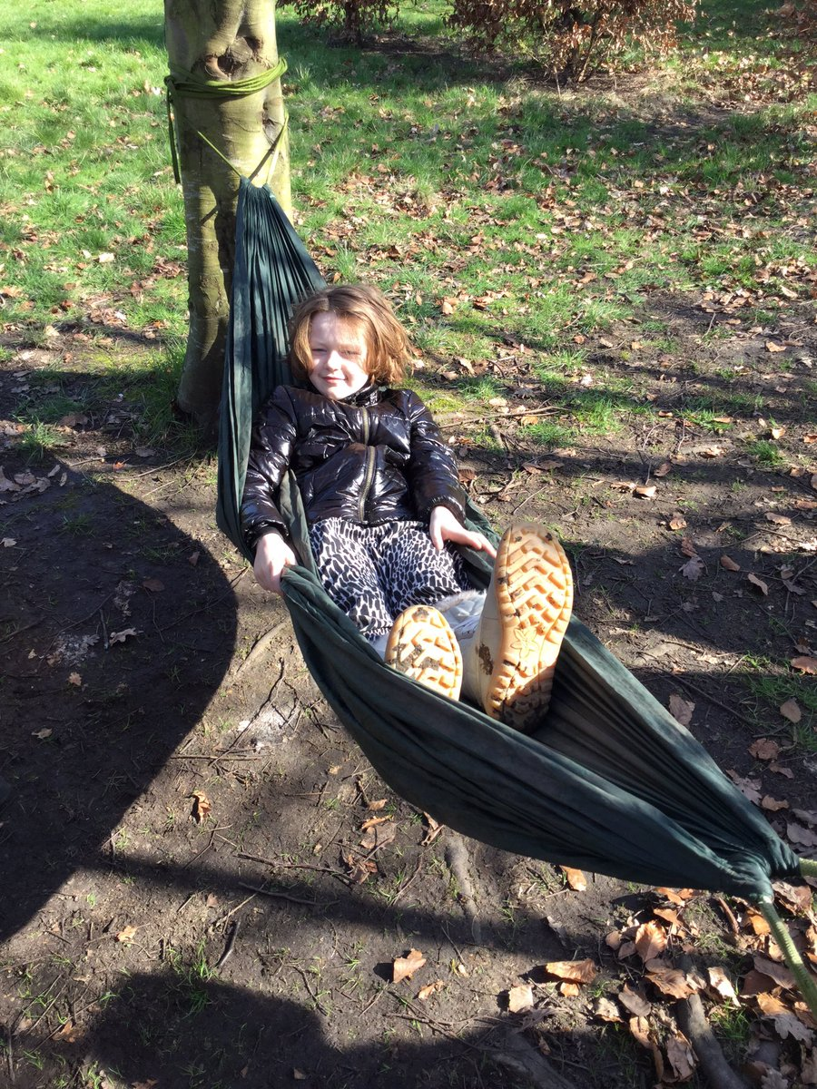 Willow and cherry relaxing in the hammock #forestschools #nestinthewoods<br>http://pic.twitter.com/vLuMcC5RXE