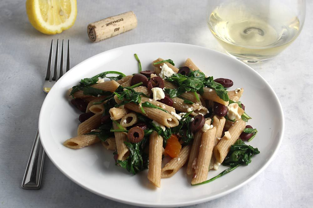 Penne with Arugula, Garlic and Beans for an easy & tasty #Meatless...