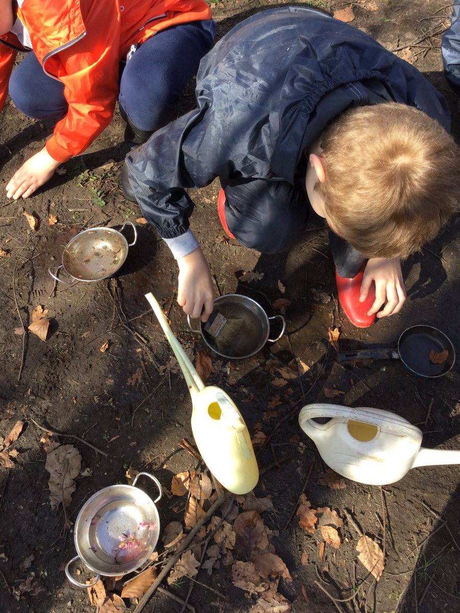 Making sonic potions willow and cherry class #forestschools #nestinthewoods<br>http://pic.twitter.com/b7BLRD19cg
