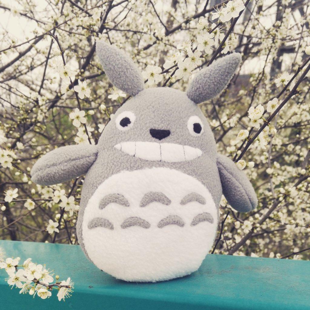 Bonne semaine à tous ! #totoro #printemps<br>http://pic.twitter.com/aZJmj9WjeV