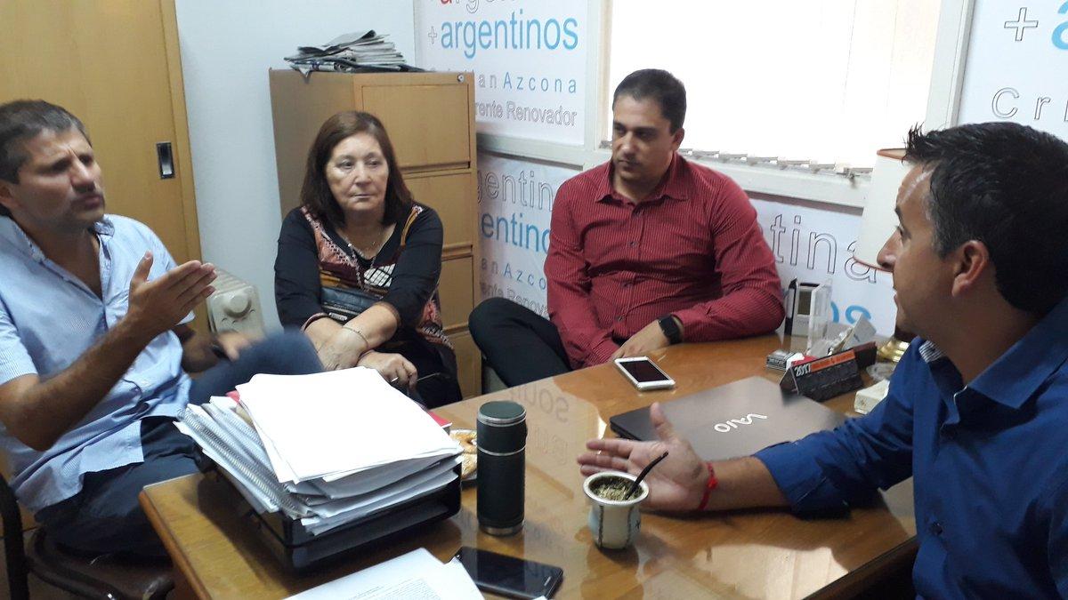 #Ahora nos reunimos con los compañeros del #FrenteRenovador #MarDelPlata para discutir el presente y proyectar el futuro #VamosPorMas<br>http://pic.twitter.com/4plFUgFgAz
