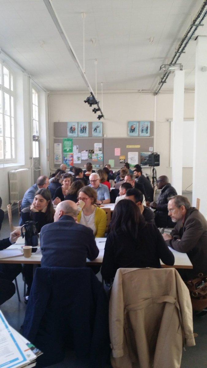 Début du séminaire de l&#39;administration sur la révision du #planclimat de @Paris @Celia_Blauel<br>http://pic.twitter.com/g8b5kEYq46
