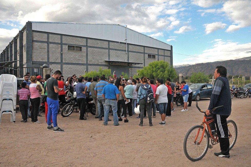 #SigueElCambio Puma cerró una fábrica y despidió 140 trabajadores http...