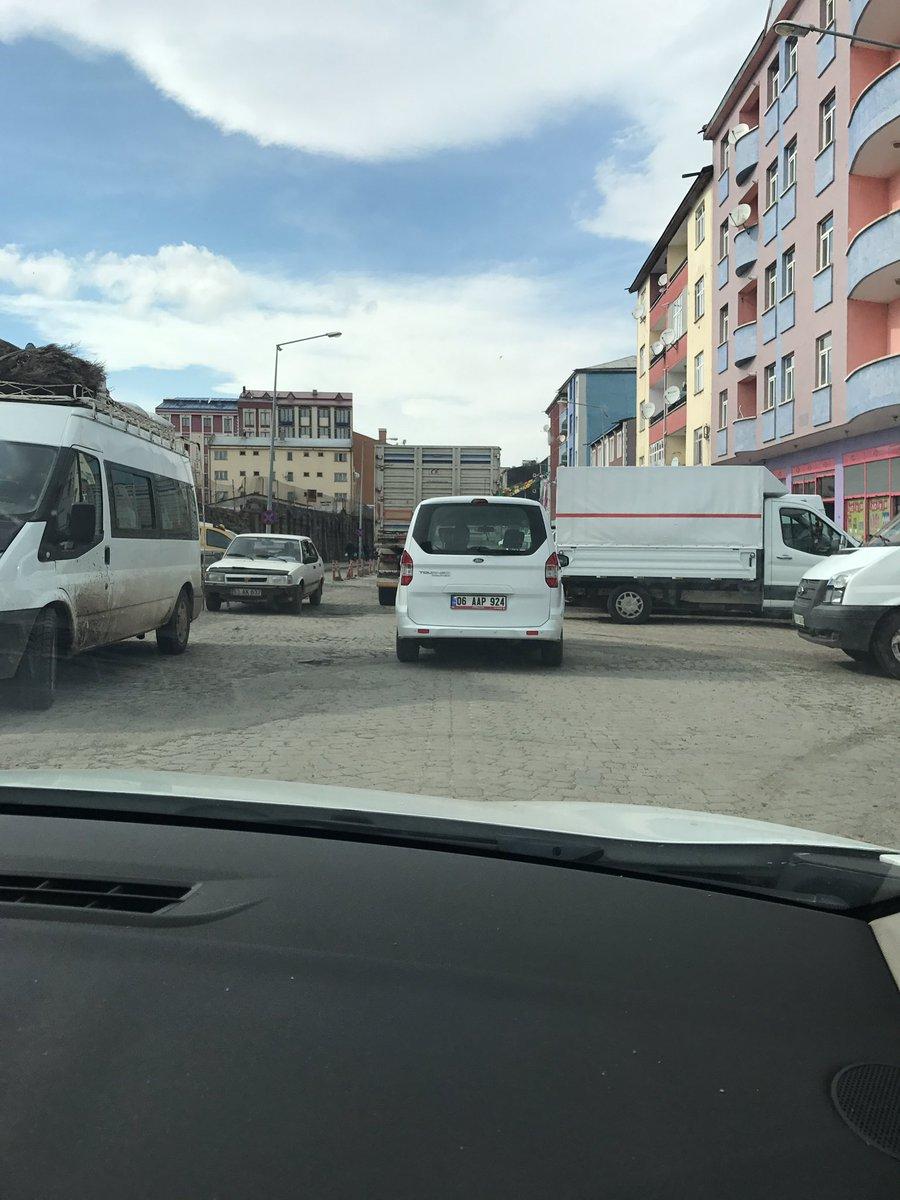 Kars'a geldik. Dün Edirne bugün Kars... İl binamıza geçiyoruz; oradan...