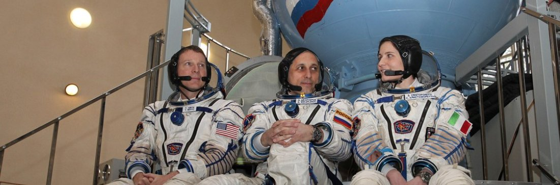 Russia wants new cosmonauts for a voyage to the moon.