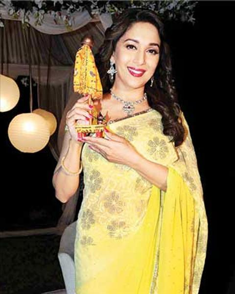 #flashback #Moments  #MadhuriDixit  Wishing You #happynewyear And #HappyGudipadwa<br>http://pic.twitter.com/JbwBkz9G4s