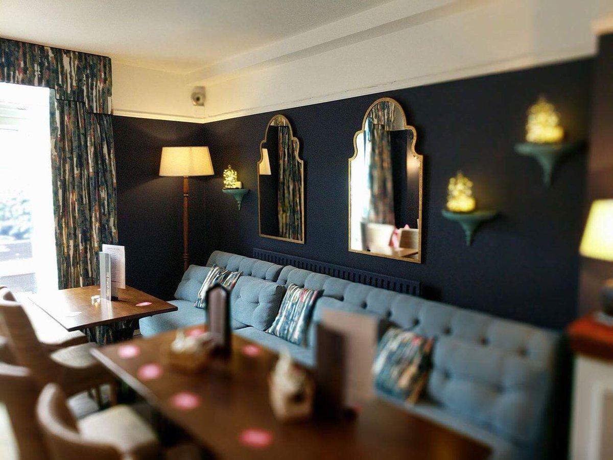 Our new furniture has arrived! #FinishingTouches #BarRefurbishment #NewLook #LoungeBarpic.twitter.com/pqkB4eVkIt