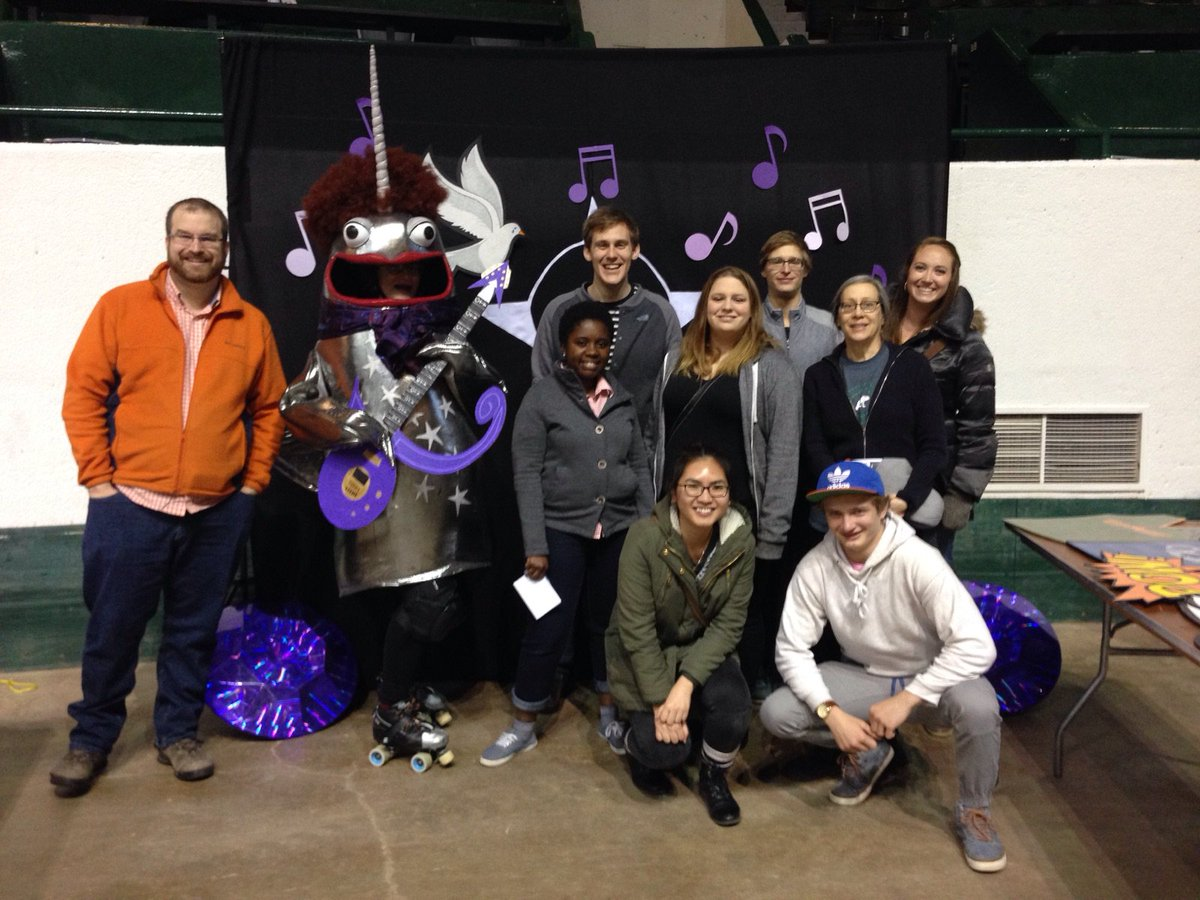 What better way to enjoy your #Auggie Biophysics lab mates than a @NSRG derby bout? https://t.co/LRA9Uoqawa